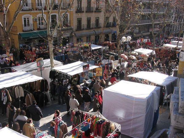 calle_ribera_curtidores_Rastro_de_Madrid