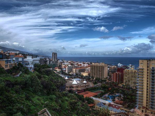 panorámica de la ciudad canaria Puerto de la Cruz