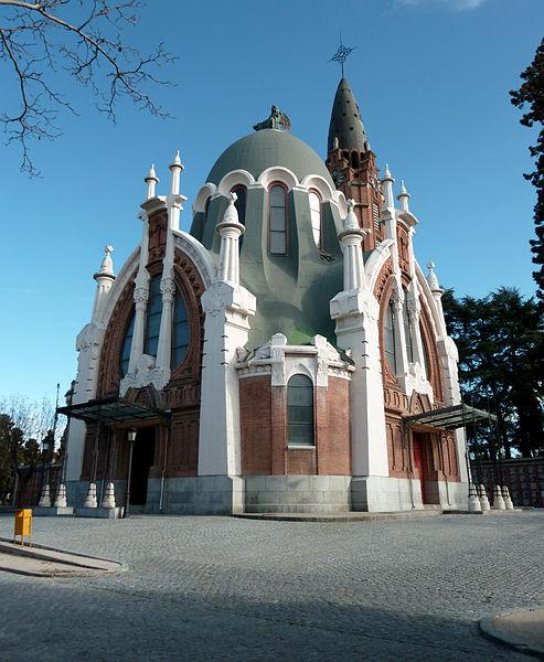 capilla instalada en el cementerio de la almudena.