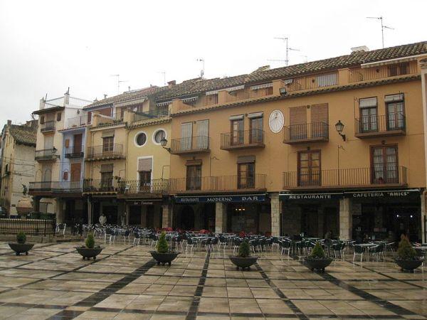 Soportales de la plaza mayor de Sant Mateu