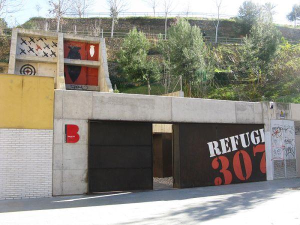 Entrada al refugio antiaéreo 307 de Barcelona