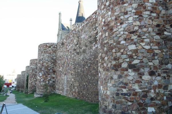 Astorga tiene unas murallas de origen romano
