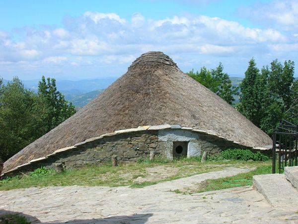 casa prerromana de O Cebreiro
