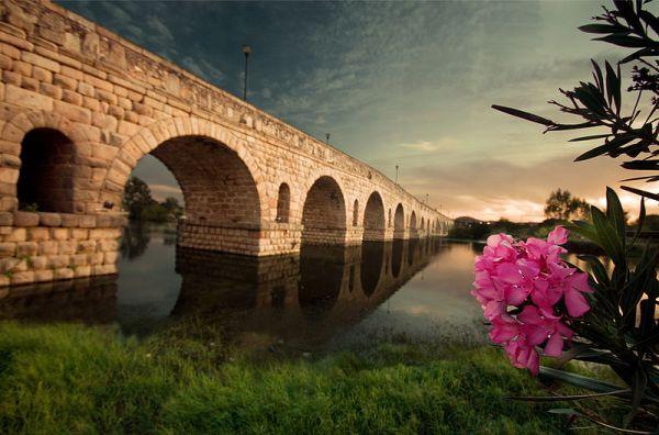 Sobre el Guadiana, el puente romano de Mérida