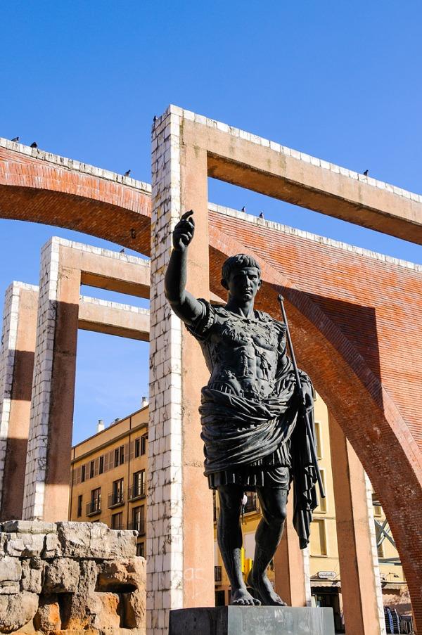 Octavio_augusto_monumento_caesaraugusta