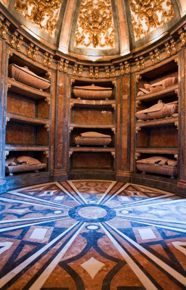 cripta_iglesia_san_francisco_lugares_historia