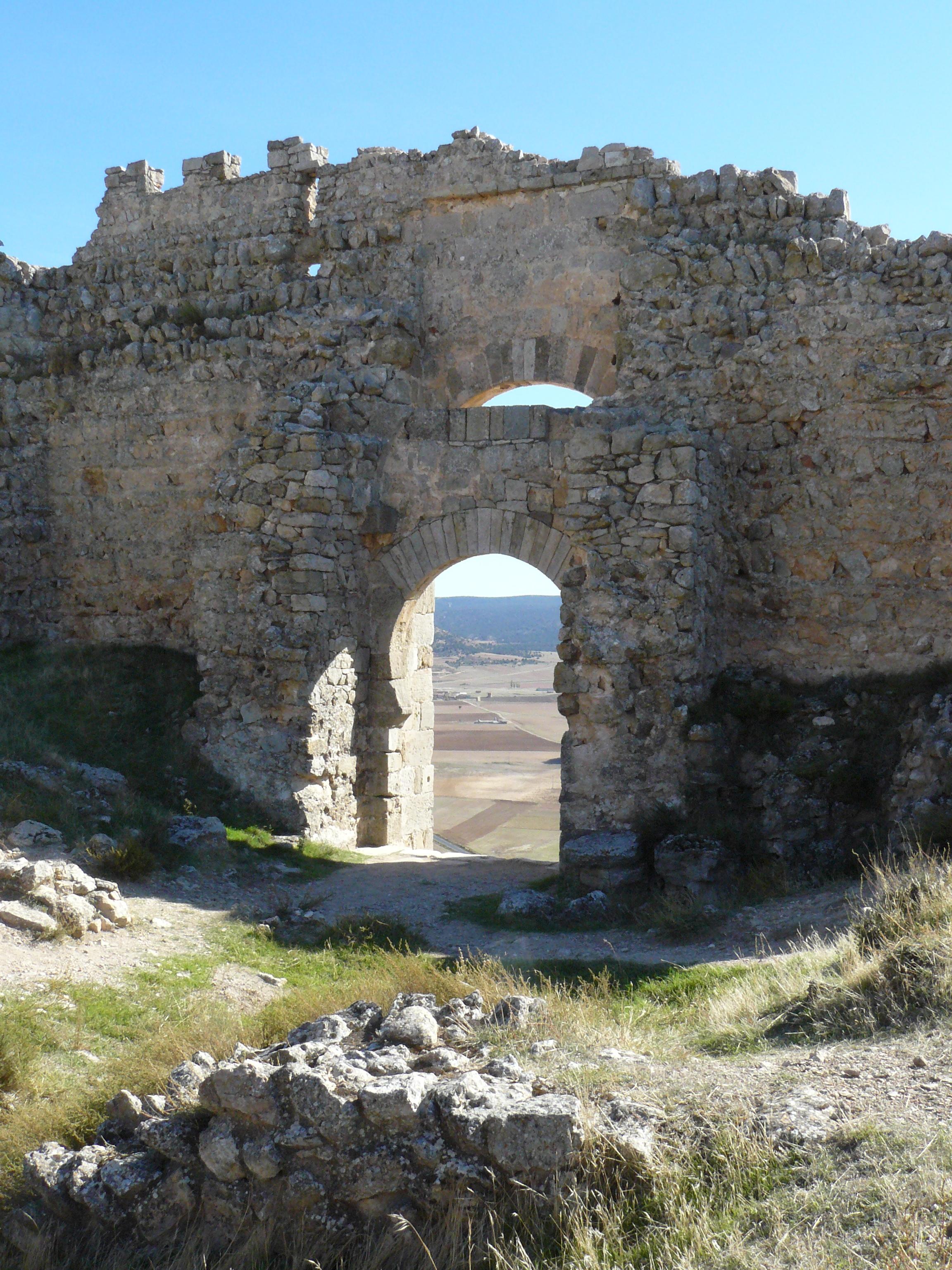 puerta_castillo_gormaz