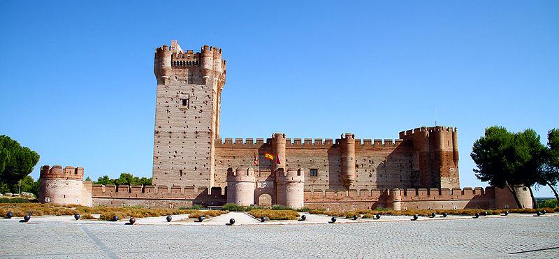 castillo de la mota - Ruta de Isabel la Católica por Castilla y León y Extremadura