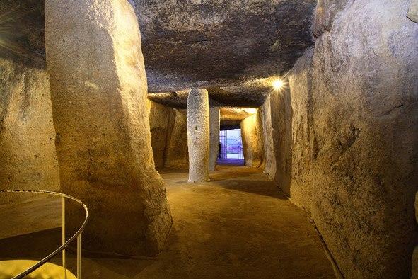 dolmen_menga_antequera