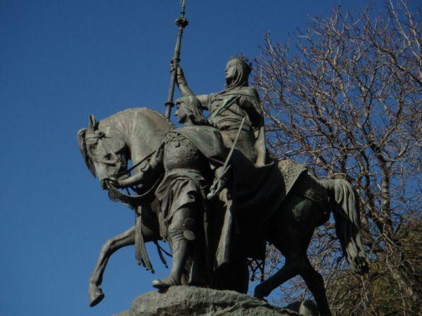 estatua_isabel_catolica_lugares_historia